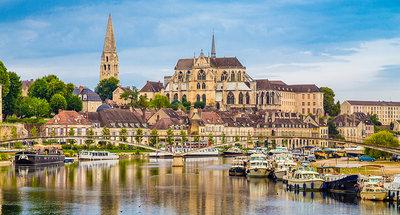 Auxerre stad aan de rivier