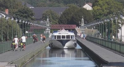 Le Boat Vision crossing canal viaduct