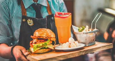 Hamburger en drankje