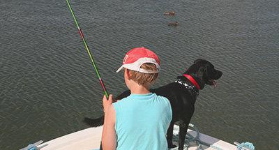 Pêcher avec son chien