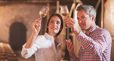 Wijnproeven aan het Canal du Midi