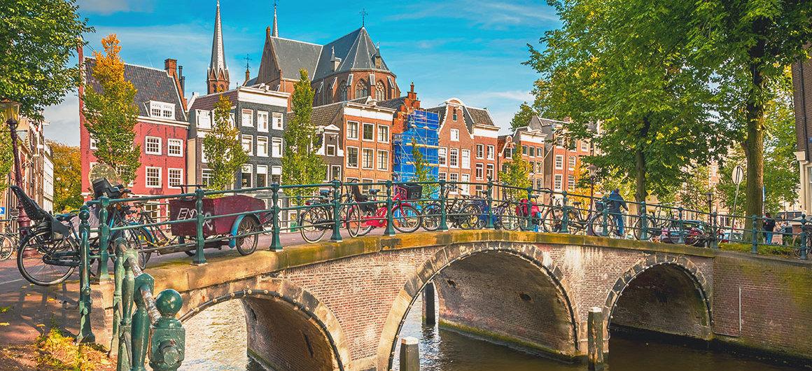 Brug met fietsen, Amsterdam