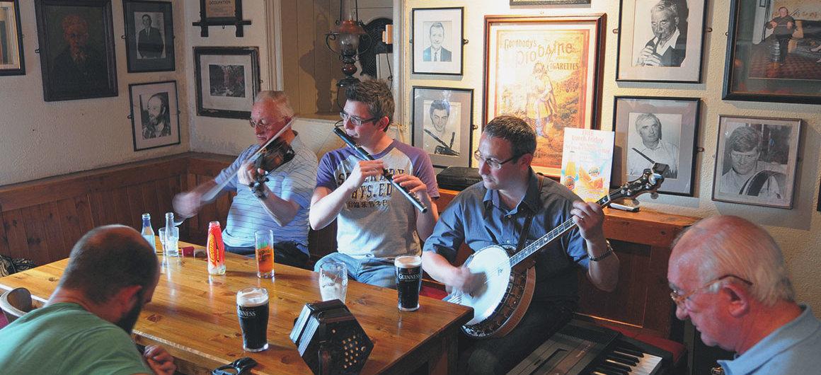 Pub Larkins, Garrykennedy, Irlande