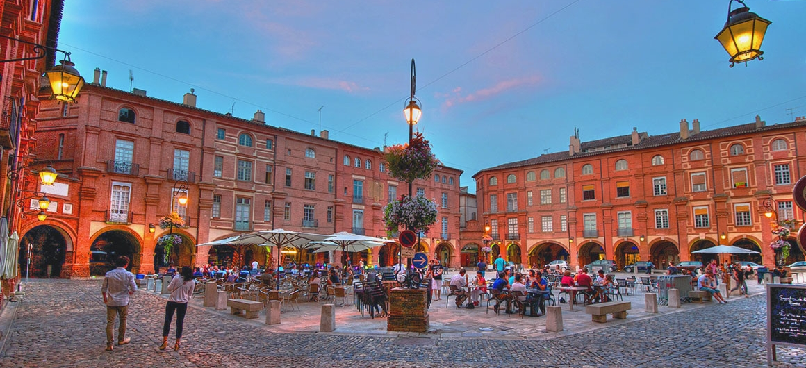 Place Nationale, Montauban, Aquitanië