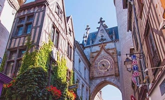 Klokkentoren in Auxerre