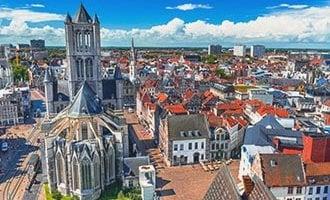 Vue sur Gand et l'Église de Saint-Nicolas